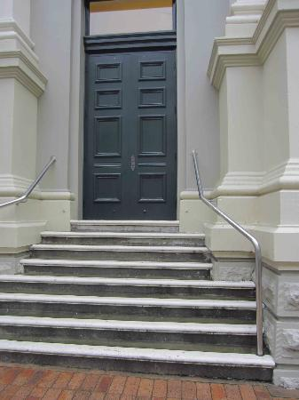 Wellington Town Hall : Old doorway