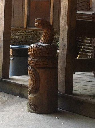 Tuscumbia, ألاباما: Rattlesnake Saloon