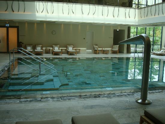 Wald & Schlosshotel Friedrichsruhe: Indoor pool