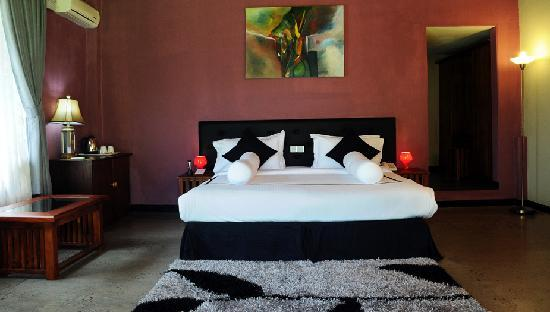 Brook Boutique Hotel & Spa: Superior Room Bed