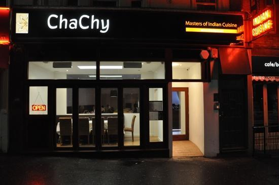 Cha Chy: party room in front