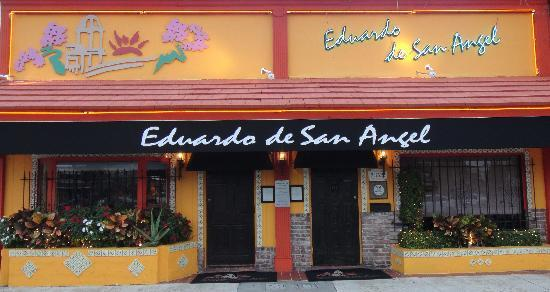 Eduardo de San Angel: Entrance