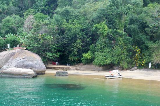 Paraty Bay: A cor da agua....