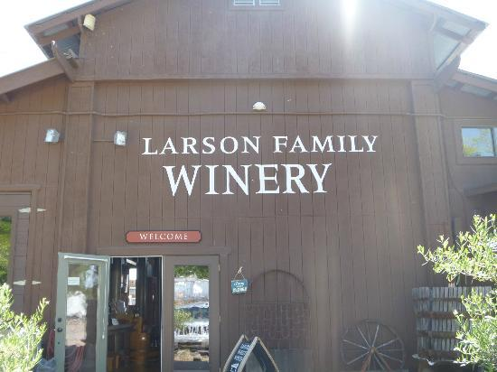 Larson Family Winery : Tasting Room