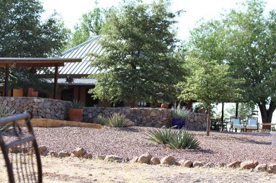 Sunglow Ranch - Arizona Guest Ranch and Resort : Hotel Grounds