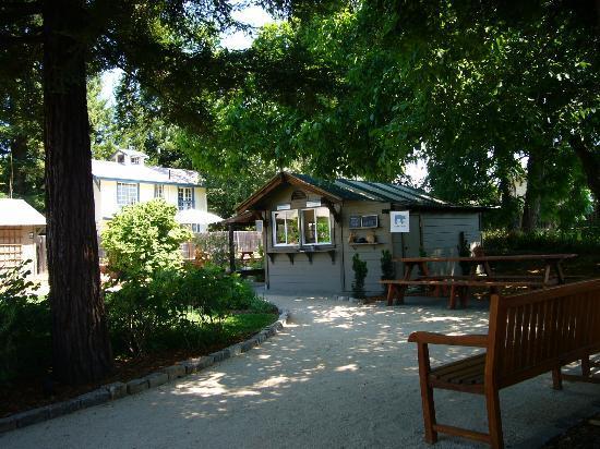 Addendum at Ad Hoc : Nice Park setting