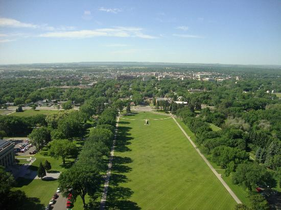 North Dakota State Capitol Building: View from the 18th floor of lawn in front of Capitol, Bismark and surrounding area
