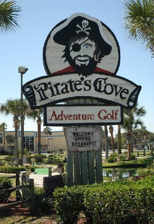 ‪Pirate's Cove Adventure Golf‬