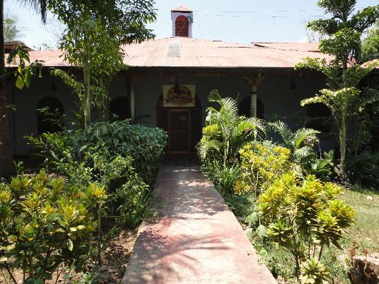 Rio Mopan Lodge: Entrance