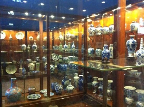 vases   picture of chhatrapati shivaji maharaj vastu sangrahalaya mumbai   tripadvisor