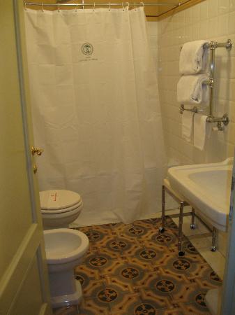 Hotel Loggiato dei Serviti : Bathroom