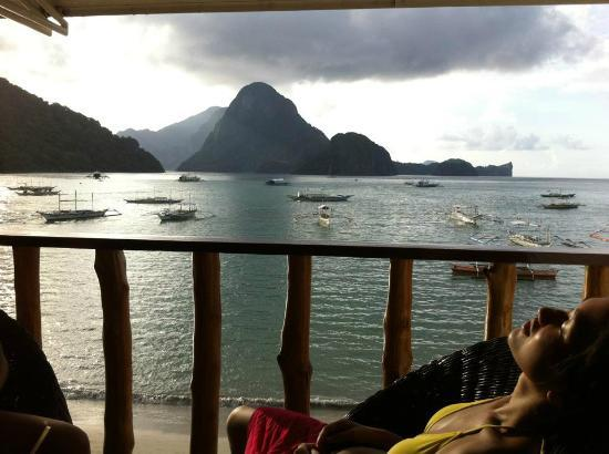 Habibi Restaurant & Shisha Cafe: view from habibi balcony