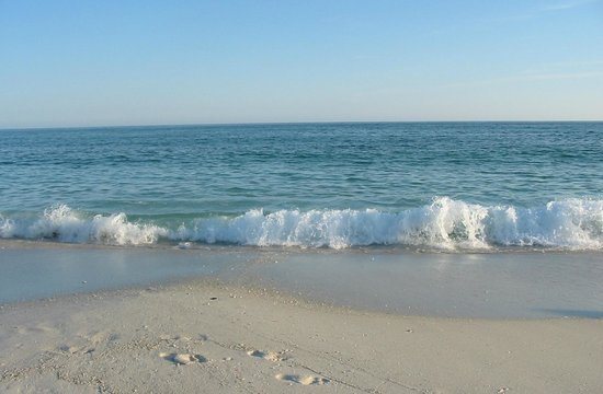 Pensacola Beach: Beautiful sand and water on the surf side