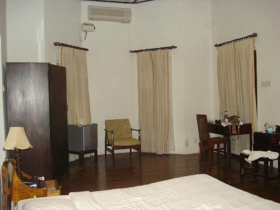 Hotel Victory Dawn : huge room