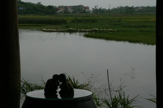 Moon Garden Homestay: View of lake
