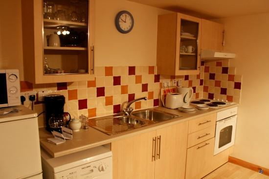 Dolphin Bay Suites: Full fledged Kitchen