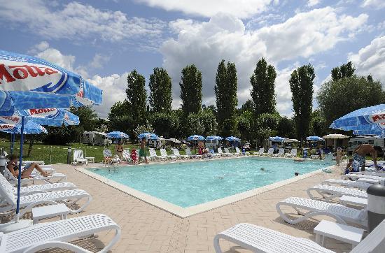 Camping La Spiaggia ***: La piscina
