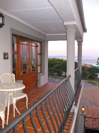Sea Whisper Guest House & Self Catering: Upper Balcony