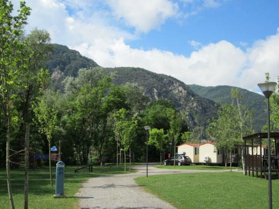 Conca d'Oro Village: Surrounding scenery is dominated by hills