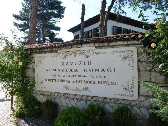 Havuzlu Asmazlar Konagi: Front sign