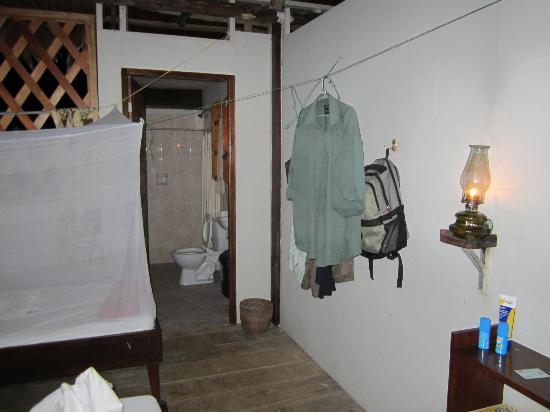 Amazon Explorama Lodges: Inside the room showing bathroom