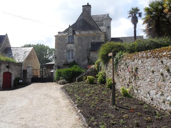 Chateau de Cheman : chateau entrance