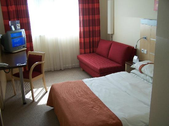 Holiday Inn Express Muenchen Messe : Hotel Zimmer