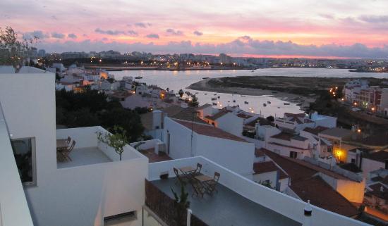 One2seven: zicht op Ferragudo vanaf kamer
