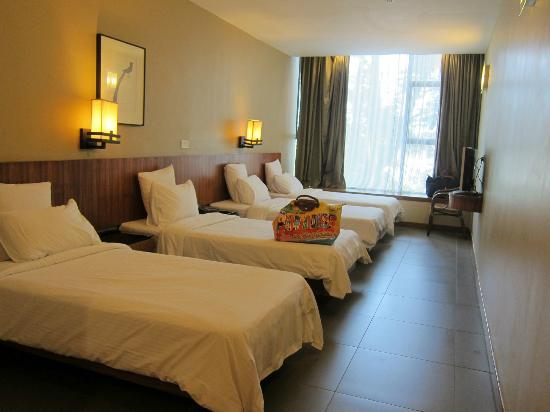 Siloso Beach Resort Family Room Price