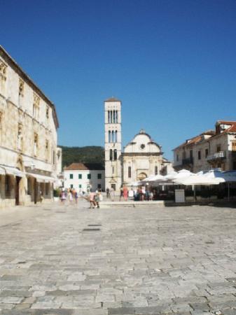 St. Stephen's Cathedral: Blick vom Marktplatz aus