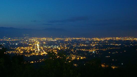 La Rocca Del Maestrino: View by night.