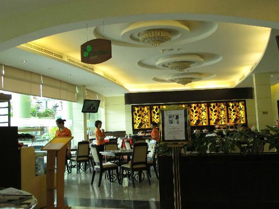 The Hanoi Club Hotel & Lake Palais Residences: Breakfast venue