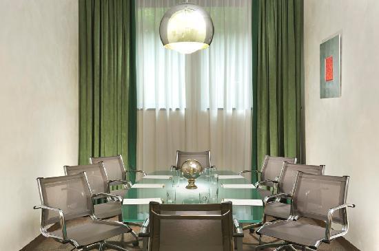 FH Grand Hotel Mediterraneo: Sala Australia