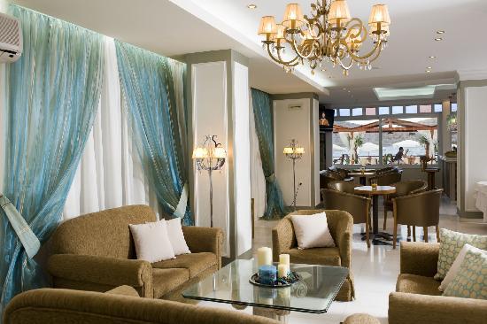 Akti Olous Hotel: lobby area