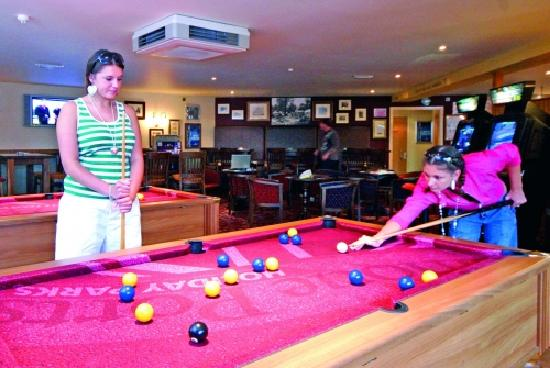 Beauport Holiday Park - Park Holidays UK: Pool Table