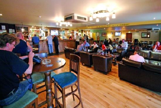 Beauport Holiday Park - Park Holidays UK: Bar