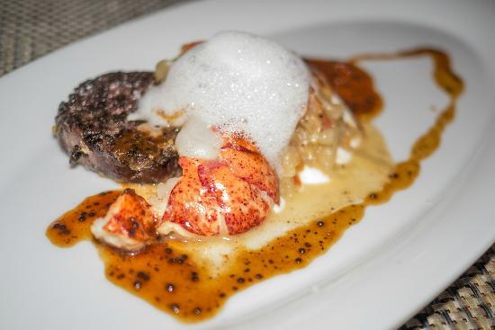 Toast! Restaurant: Québec lobster and homemade black blood pudding croustade
