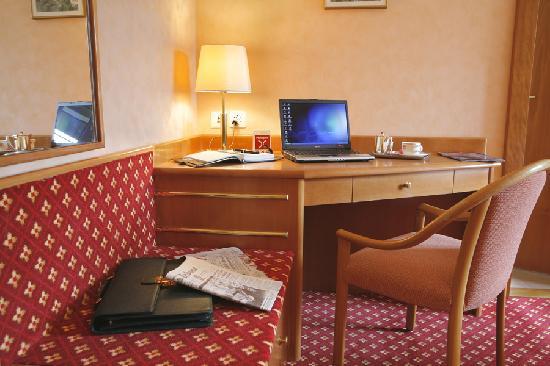 Hotel Elite: Bureau chambre double