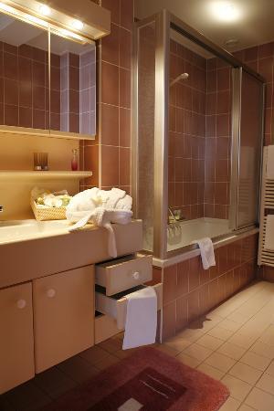 Hotel Elite: Salle de bain