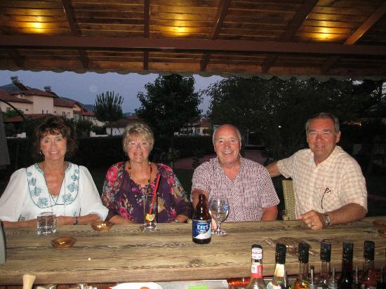 Asena Motel: Garden Bar