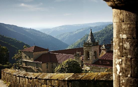 Nogueira de Ramuín, España: Vista exterior del Parador