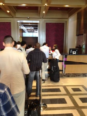 Hesperia WTC Valencia: 35 minutos para el check out