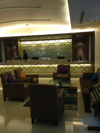 Jasmine City Hotel: フロントは10階です