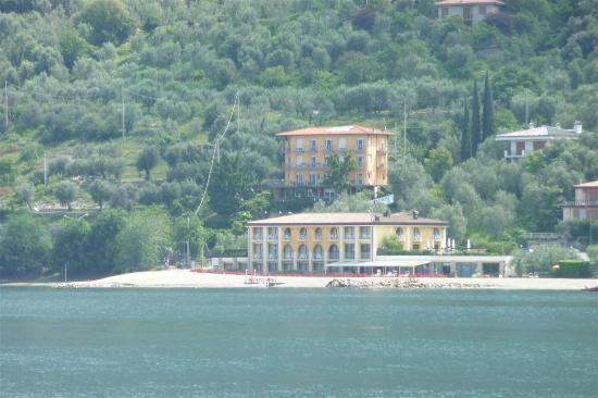 Hotel Europa - Ristorante al Pontile: Hotel Europa aus Seesicht