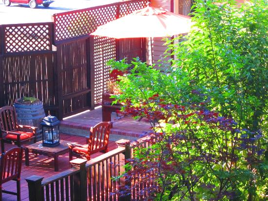 Wine Way Inn: More views of the deck