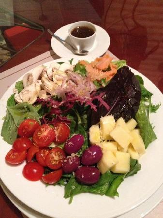 Nuestra deliciosa ensalada mediterranea de salmon ahumado for Cocina mediterranea