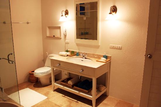NishaVille Resort: the bathroom
