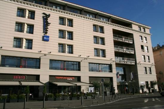 View from outside the hotel picture of radisson blu - Radisson blu hotel marseille vieux port ...
