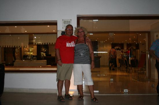 вход в отель Picture Of Mitsis Petit Palais Beach Hotel