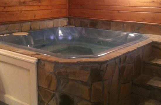 Heidi Motel: Come relax in one of our hot tub suits